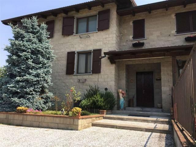 Villa quadrilocale in vendita a Roncaro (PV)