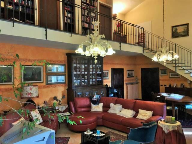 Villa 5 locali in vendita a San Genesio ed Uniti (PV)