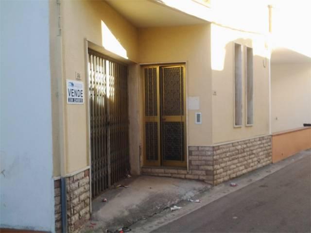 Appartamento da ristrutturare arredato in vendita Rif. 5293094