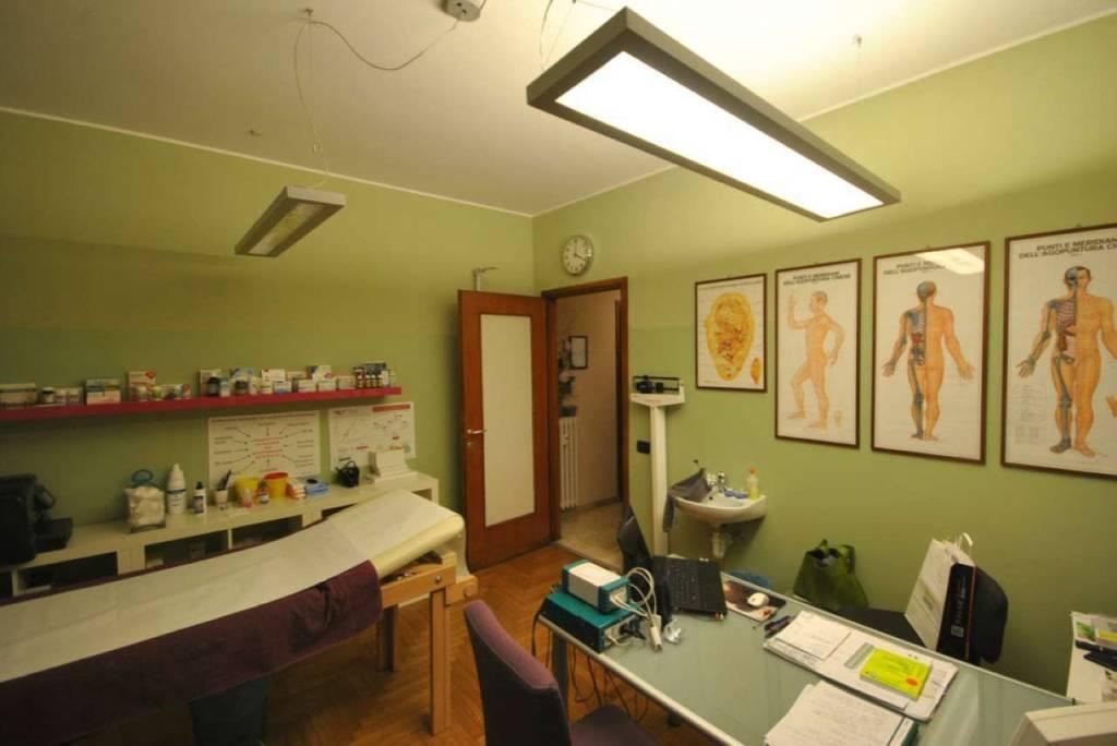 Ufficio / Studio in affitto a Varese, 3 locali, prezzo € 570 | CambioCasa.it