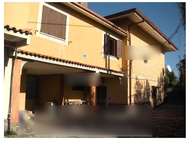 Appartamento in ottime condizioni parzialmente arredato in vendita Rif. 8848130