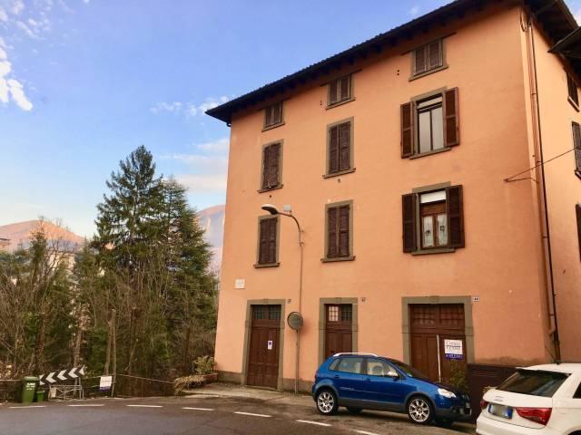 Appartamento in buone condizioni parzialmente arredato in vendita Rif. 7282697