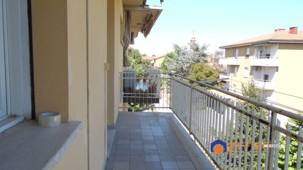 Appartamento in Vendita a Castello D'Argile Centro: 4 locali, 94 mq