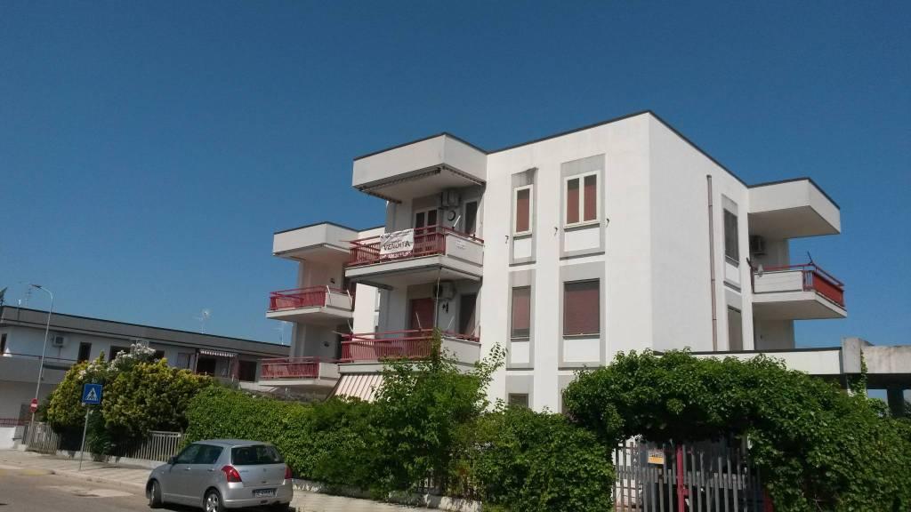 Appartamento in buone condizioni arredato in vendita Rif. 4418446