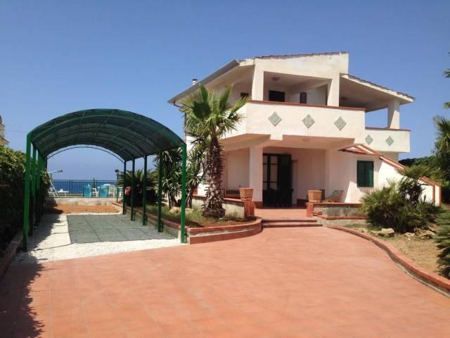 Villa in vendita a Trappeto, 6 locali, prezzo € 250.000 | CambioCasa.it