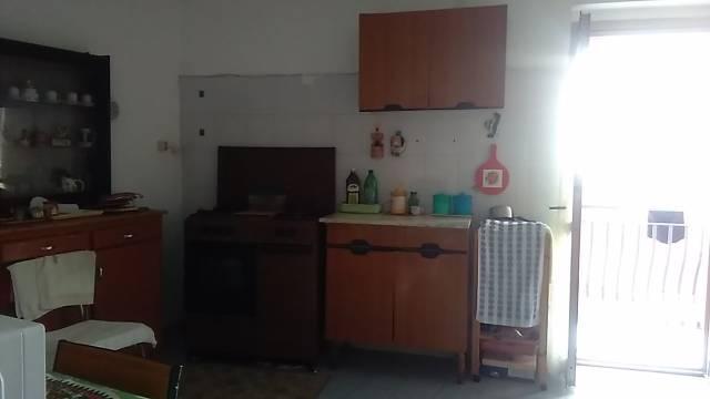 Appartamento da ristrutturare in vendita Rif. 6298869
