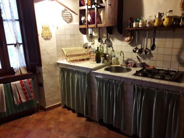 Appartamento in buone condizioni in vendita Rif. 5051077