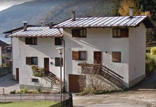 Villa in Vendita a Spiazzo Periferia: 5 locali, 125 mq