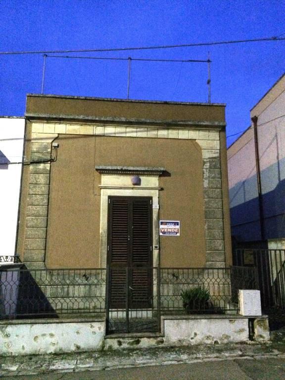 Appartamento in vendita a Giurdignano, 7 locali, prezzo € 80.000   PortaleAgenzieImmobiliari.it