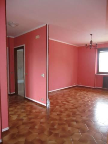 Appartamento in buone condizioni in affitto Rif. 5016522