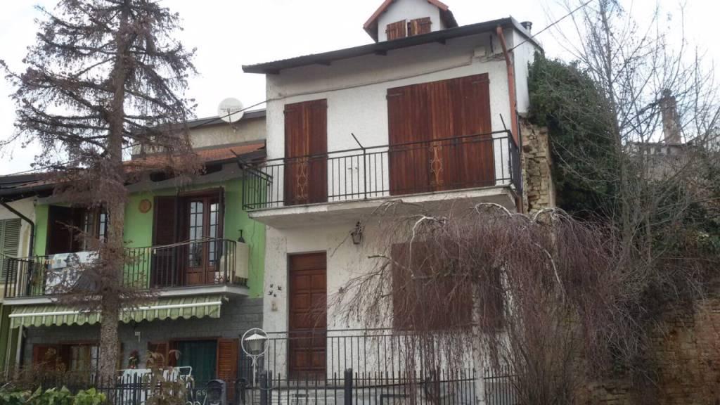 Villa in vendita a Canale, 4 locali, prezzo € 34.000 | CambioCasa.it