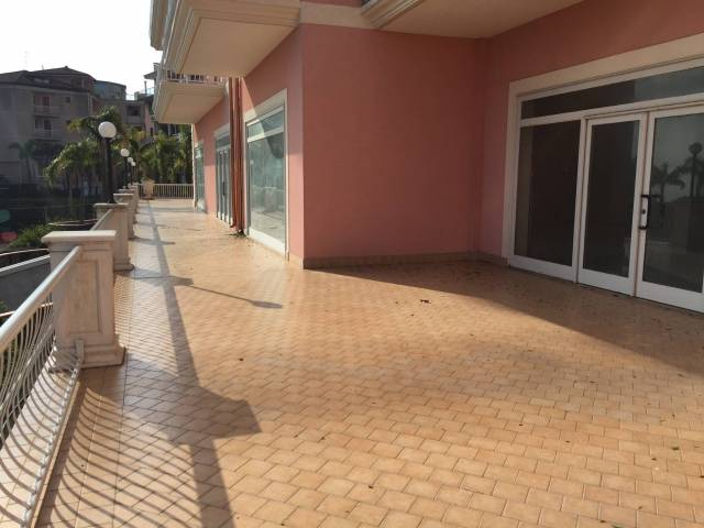 Locale commerciale - Via Cervo Acireale!! Rif. 4842790