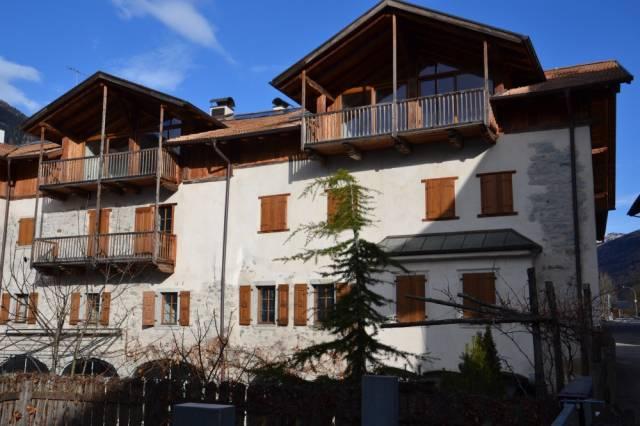 Appartamento in Vendita a Spiazzo Periferia: 3 locali, 60 mq