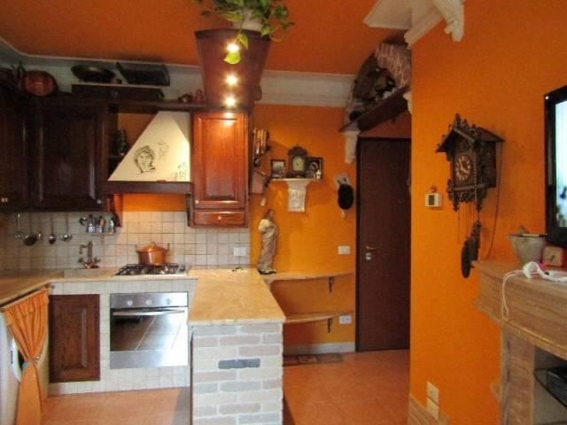 Appartamento in buone condizioni arredato in vendita Rif. 4528686