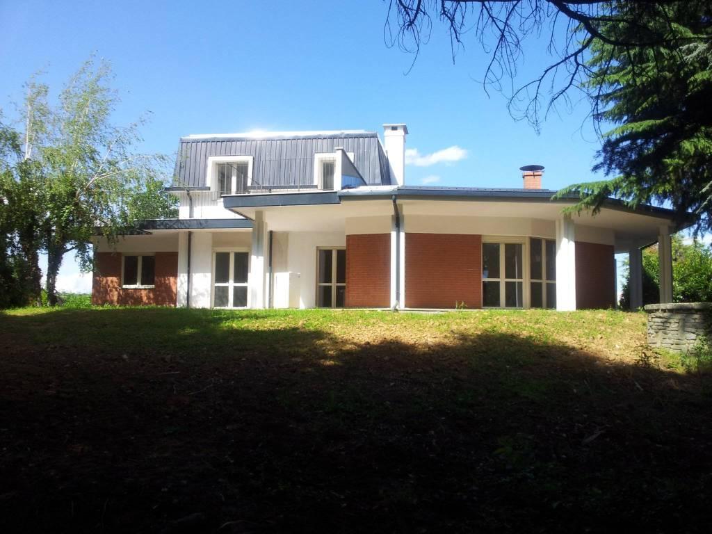 Villa in affitto a Chieri, 3 locali, prezzo € 750 | CambioCasa.it