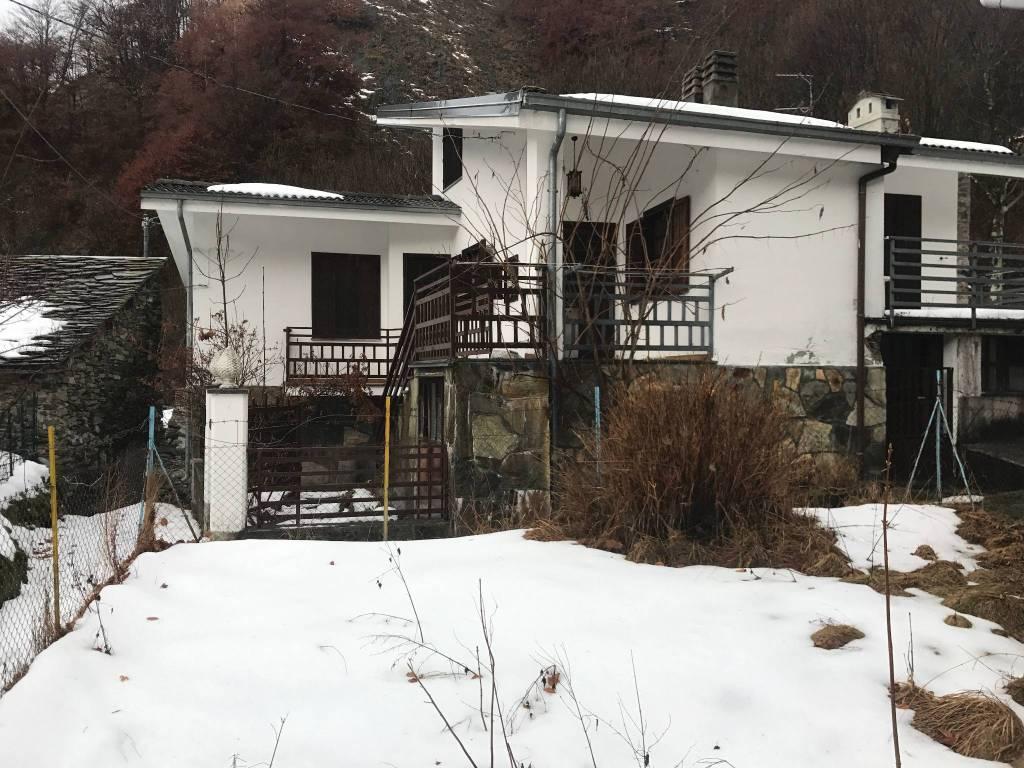 Foto 1 di Villa Frazione Rongorbogno 20, Ribordone