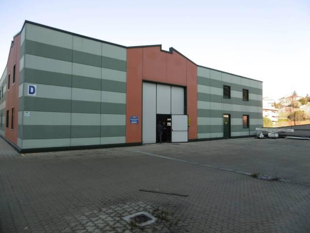 Immobile Commerciale in Affitto a Genova  in zona Semicentro Nord