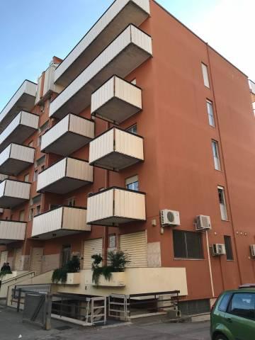 Appartamento da ristrutturare in vendita Rif. 6876612