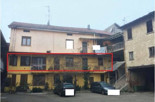 Appartamento in buone condizioni in vendita Rif. 8627686