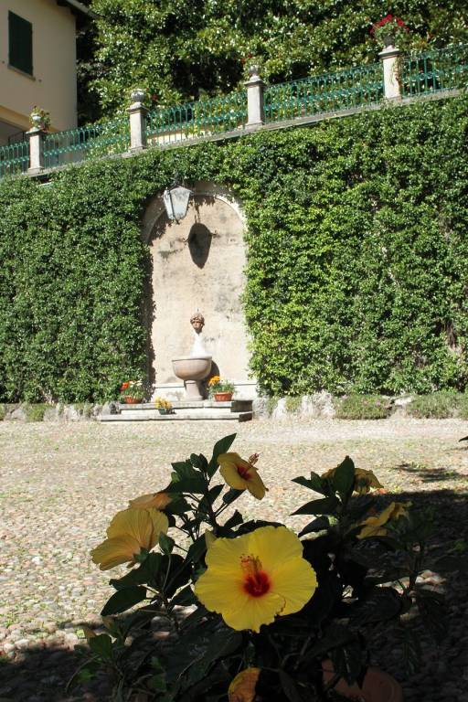 Palazzo / Stabile in vendita a Castello Cabiaglio, 4 locali, Trattative riservate | CambioCasa.it