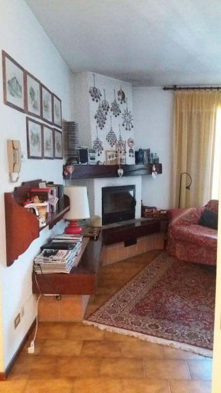 Appartamento in buone condizioni arredato in vendita Rif. 7847714