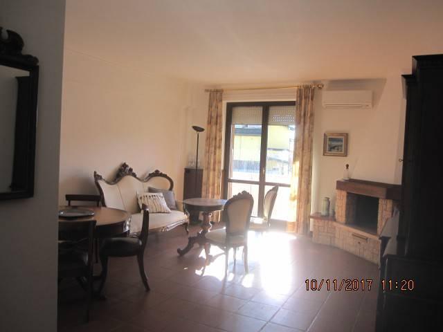 Appartamento in buone condizioni arredato in affitto Rif. 4548835