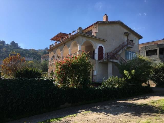 Villa in Vendita a Altofonte Periferia: 5 locali, 741 mq