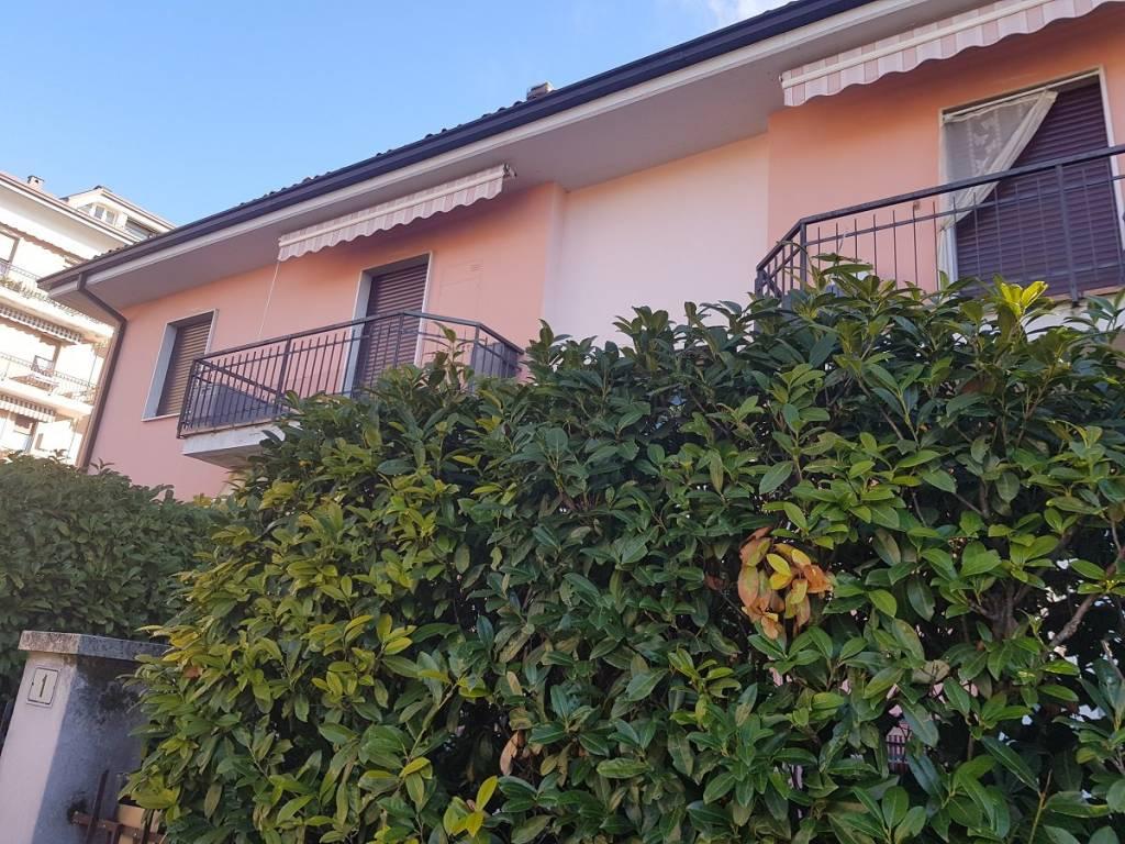 Appartamento in buone condizioni in vendita Rif. 4427767