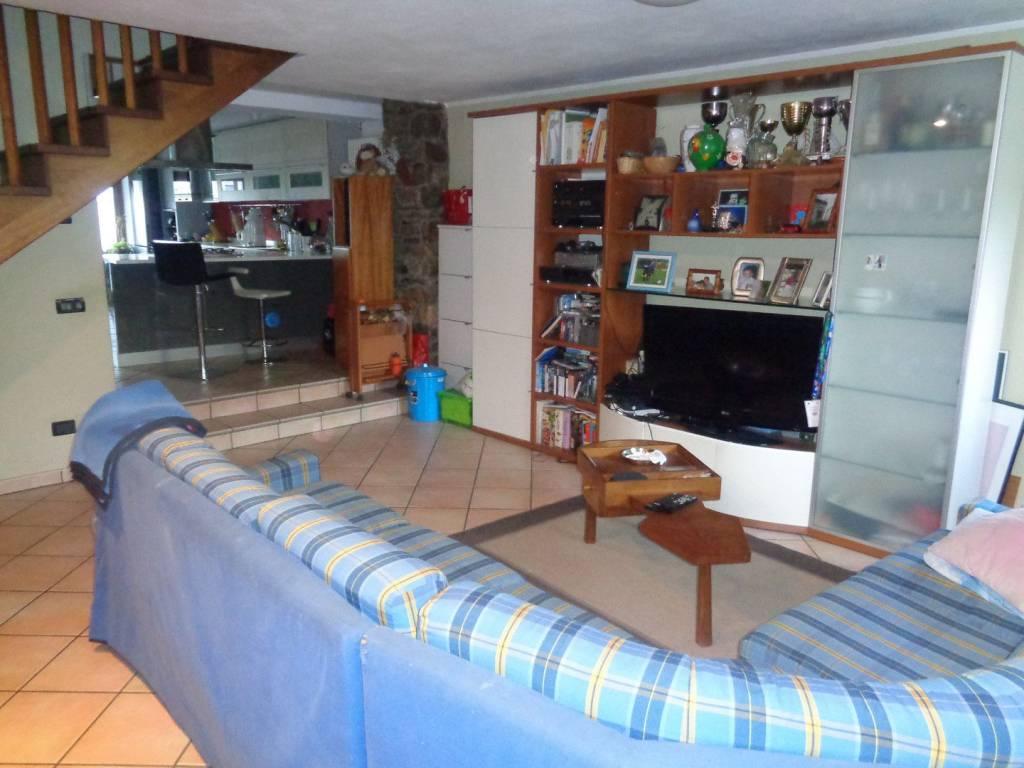 Foto 1 di Appartamento Frazione Ladret, Roisan