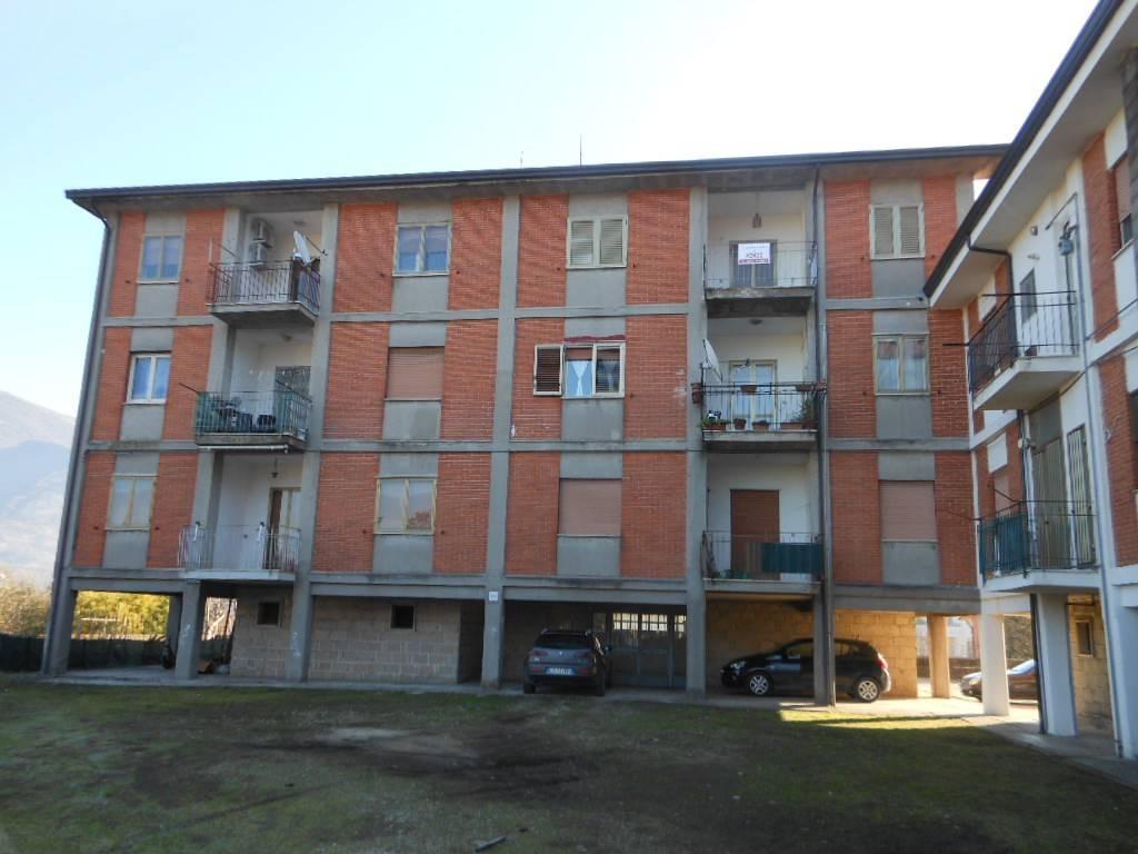 Appartamento in buone condizioni in vendita Rif. 4202429