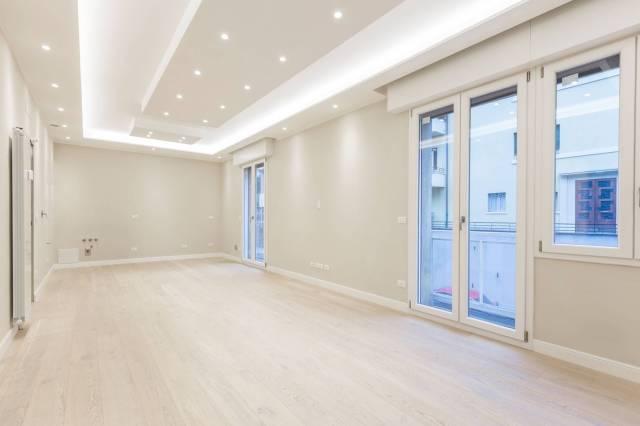 Appartamento in vendita 3 vani 105 mq.  via San Mamolo 60 Bologna