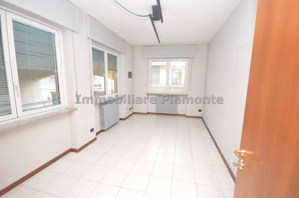 Ufficio / Studio in affitto a Borgomanero, 3 locali, prezzo € 700 | PortaleAgenzieImmobiliari.it
