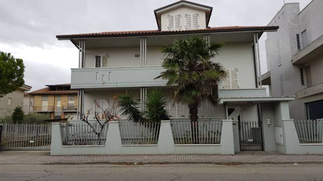 Villa in buone condizioni in vendita Rif. 4206806
