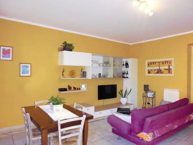 Appartamento in ottime condizioni in vendita Rif. 4566007