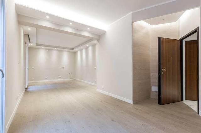 Appartamento in vendita 3 vani 100 mq.  via San Mamolo 60 Bologna
