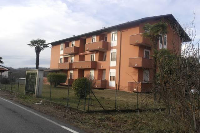 Appartamento in vendita a Biandronno, 4 locali, prezzo € 145.000 | CambioCasa.it