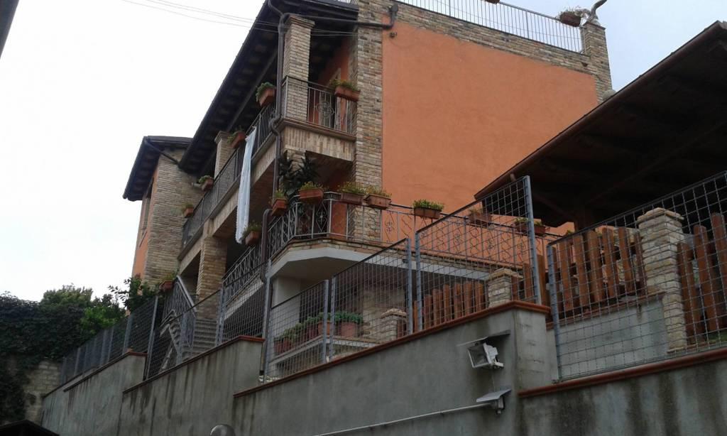 Casa Indipendente in buone condizioni in vendita Rif. 7059594