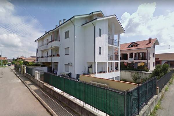Appartamento in vendita a Santhià, 5 locali, prezzo € 53.000 | CambioCasa.it