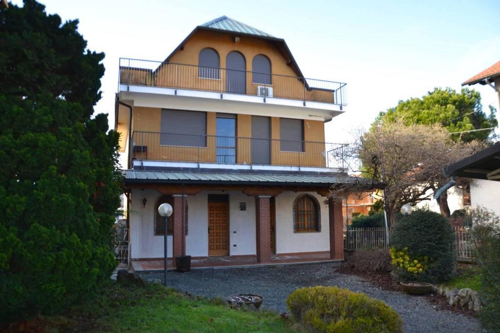 Casa Indipendente in buone condizioni in vendita Rif. 7424331