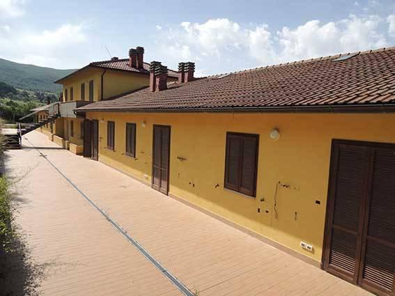 Appartamento in buone condizioni in vendita Rif. 9026492