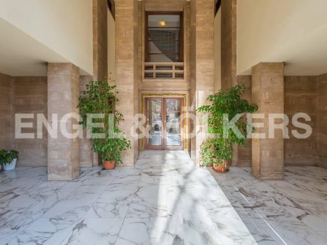 Appartamento in Vendita a Roma 31 Prati / Borgo: 5 locali, 270 mq