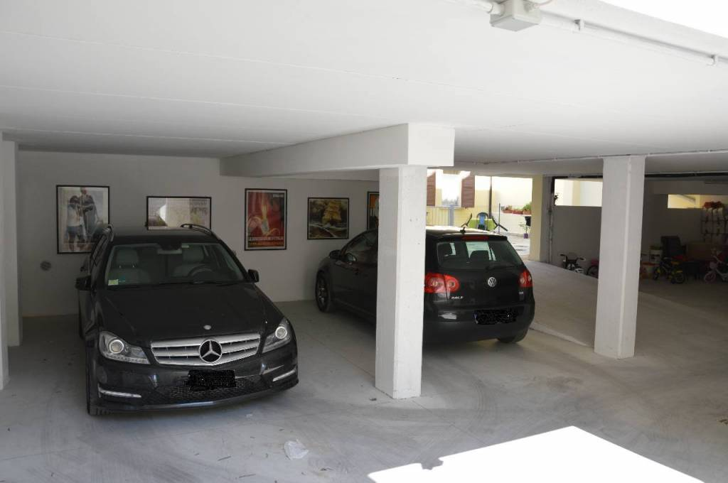 Box e posti auto in ottime condizioni in vendita Rif. 9145295