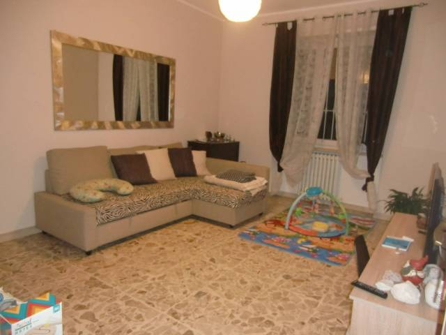 Appartamento in buone condizioni in affitto Rif. 5016523