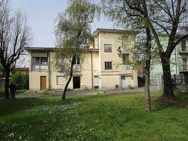 Negozio / Locale in vendita a Siziano, 4 locali, prezzo € 330.000 | CambioCasa.it