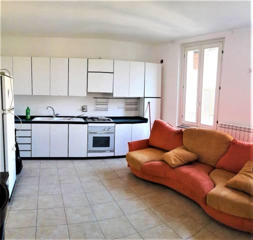 Appartamento in ottime condizioni arredato in affitto Rif. 6295823