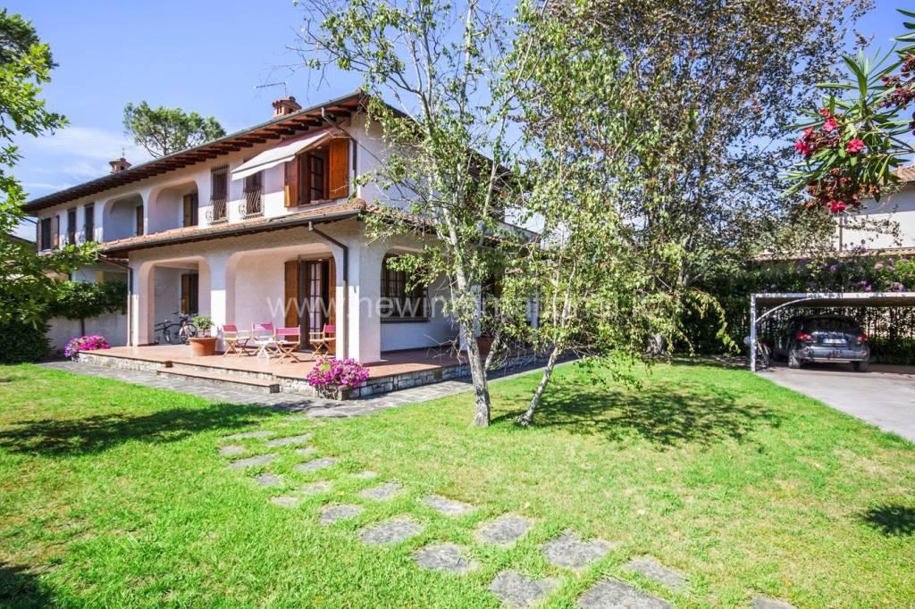 Villa 5 locali in vendita a Forte dei Marmi (LU)