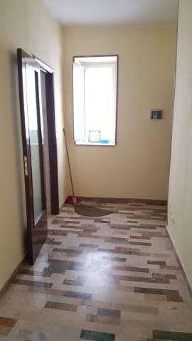Appartamento in buone condizioni in affitto Rif. 4275854