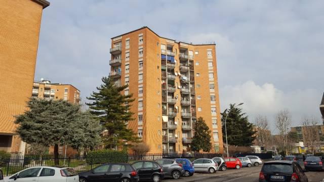 Appartamento in buone condizioni in affitto Rif. 4821870