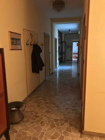 Appartamento in vendita 5 vani 140 mq.  piazza de' Calderini Bologna