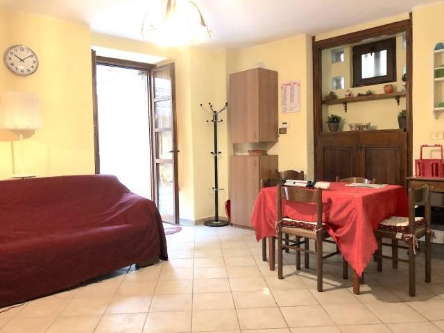 Appartamento in ottime condizioni arredato in affitto Rif. 4205235